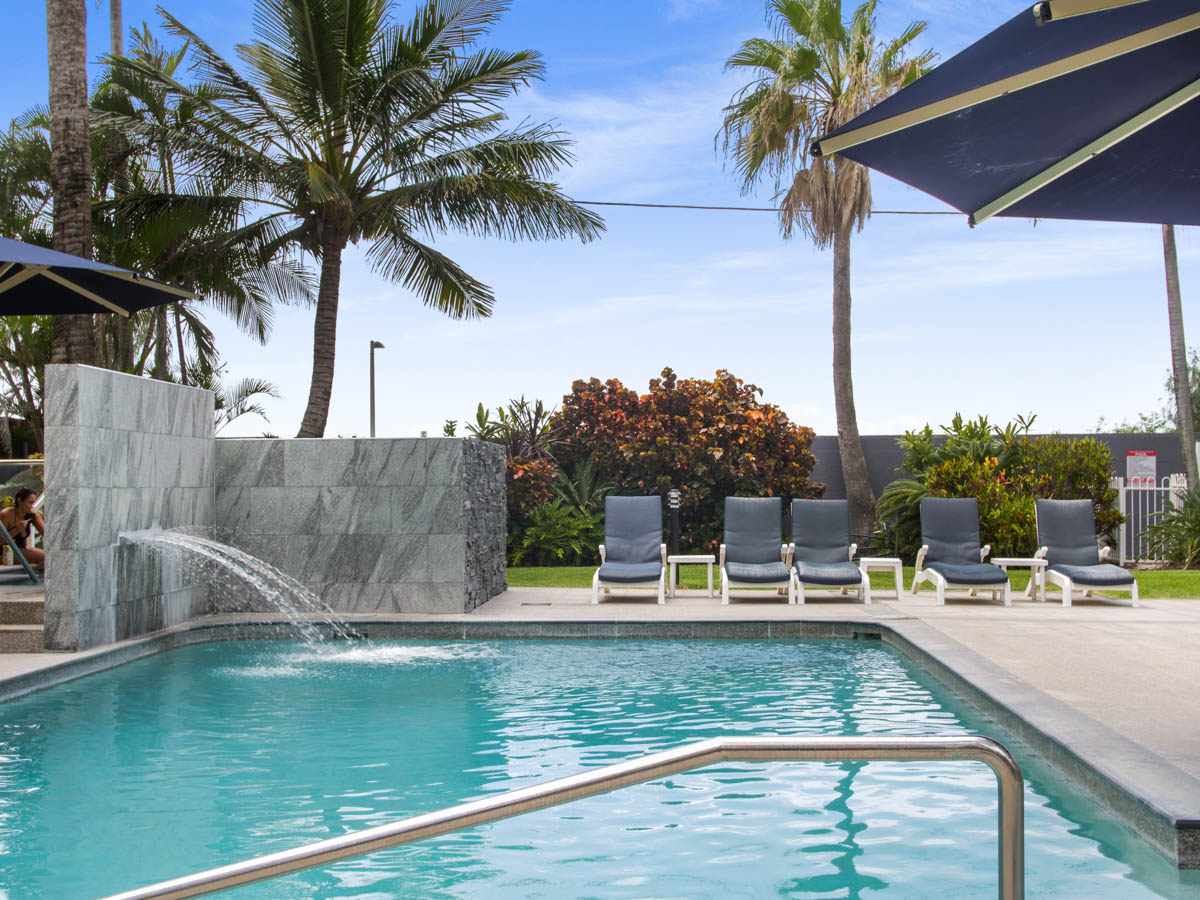 Boulevard Towers Broadbeach facilities pool