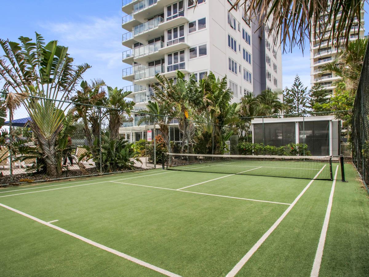 Boulevard Towers Broadbeach facilities tennis court