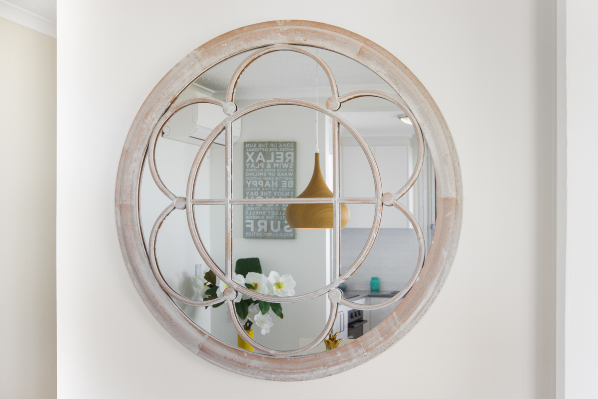 Boulevard Towers Broadbeach accommodation mirror decor