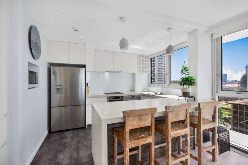 2 Bedroom Deluxe Apartment Kitchen
