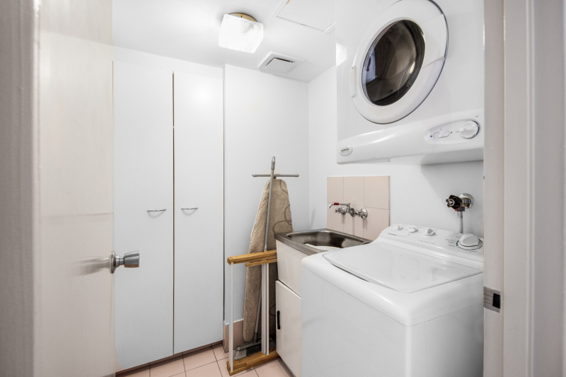 1 Bedroom Apartment Laundry